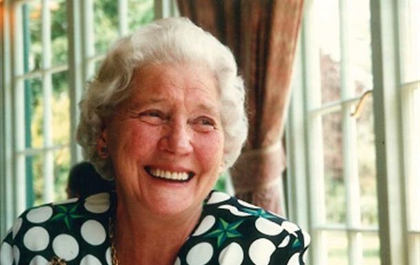Vera Ivy Clara Collins)