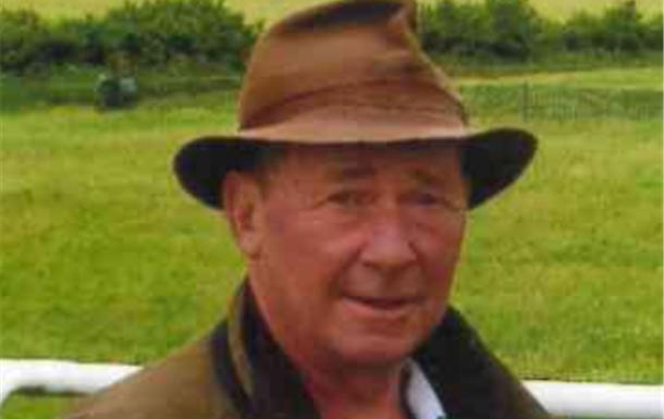 Robert Holmes)